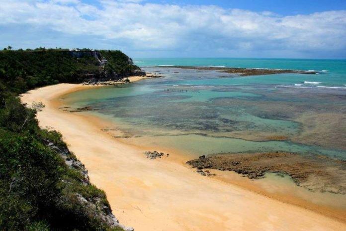15 praias brasileiras que vão fazer você se sentir no paraíso