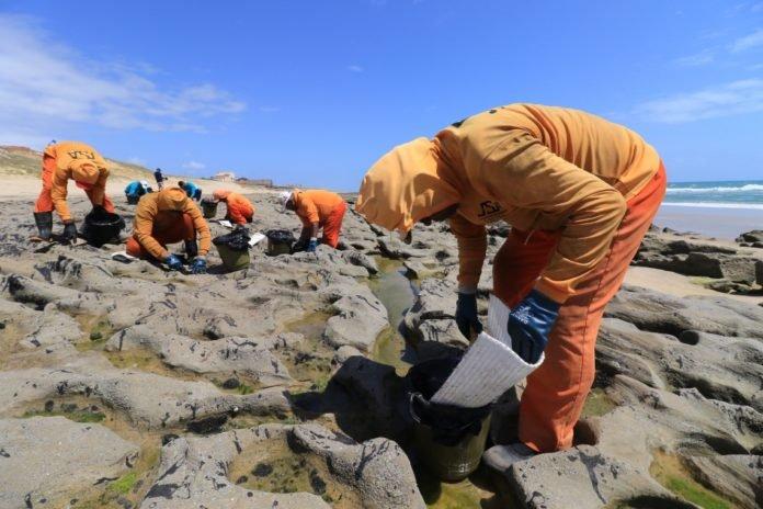 Praia do Futuro e outras cinco praias atingidas pelo óleo passarão por monitoramento preventivo