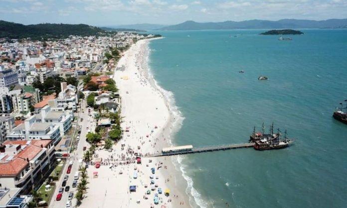 Análise aponta melhor balneabilidade nas praias do Norte da Ilha
