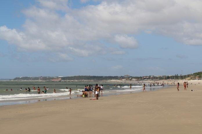 Praias são fiscalizadas em combate ao coronavírus em São Luís